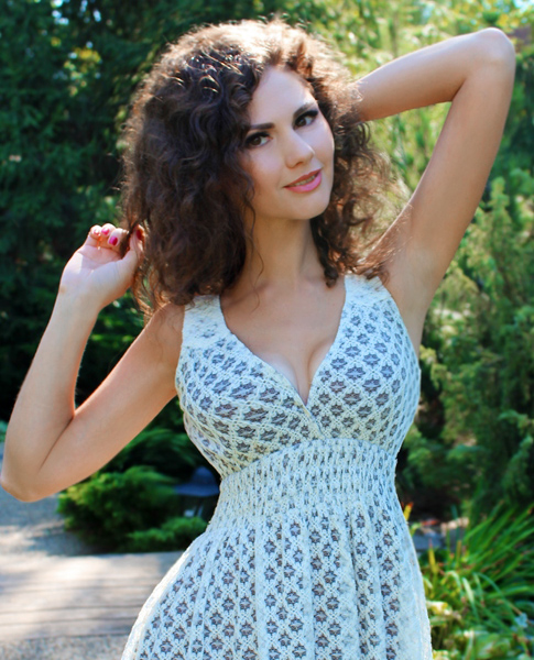 charming Ukrainian fiancee from city Dnepropetrovsk Ukraine